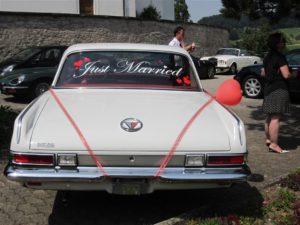Plymouth Valiant Signez 200 at wedding